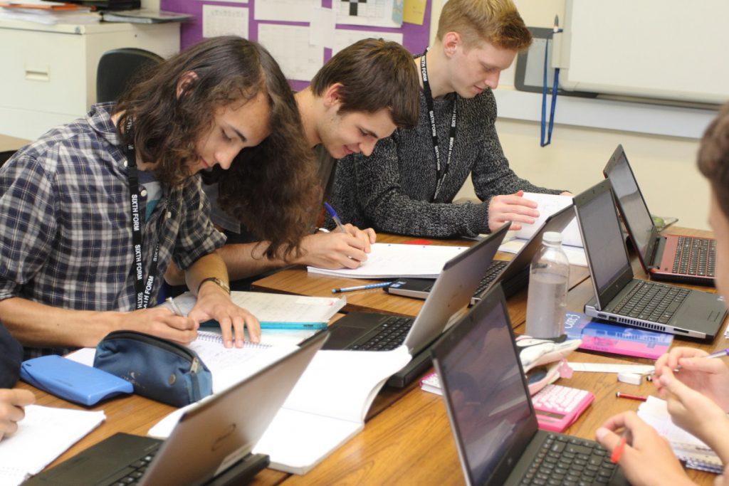 Image of Sixth Form Students learning